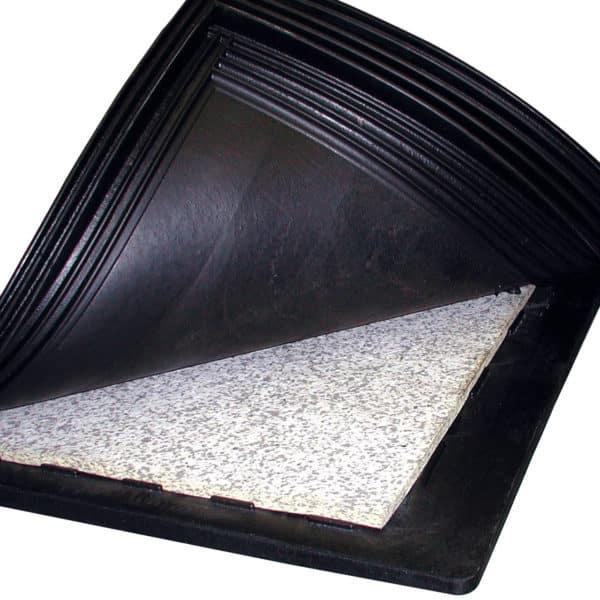 inside KRAIBURG KEW Plus Rubber Stall Mat