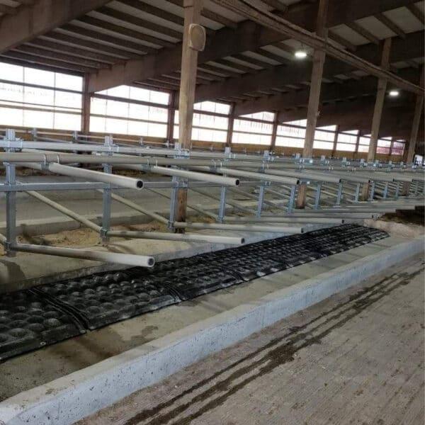 Agromatic FlexSTALL System with KRAIBURG POLSTA Stall Mats